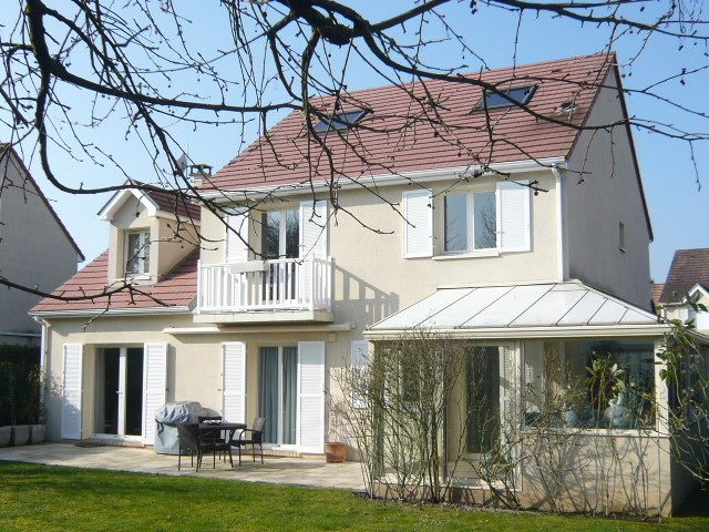 Sale house / villa St germain les corbeil 570000€ - Picture 1