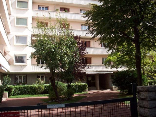 Location appartement Grenoble 335€ CC - Photo 4
