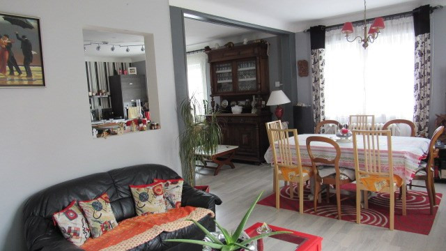 Sale house / villa Saint-jean-d'angély 169 600€ - Picture 4
