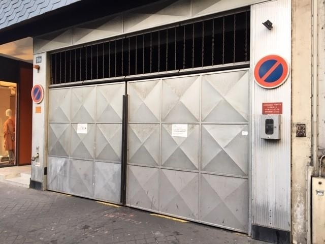 Rental parking spaces Paris 6ème 200€ CC - Picture 2
