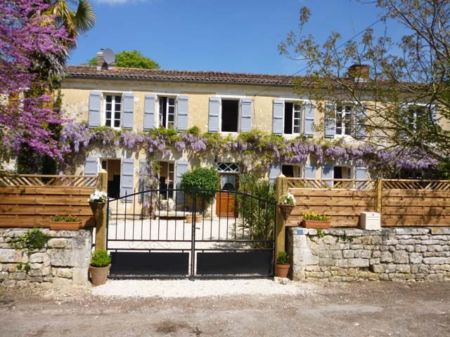Sale house / villa Saint-savinien 253 300€ - Picture 1