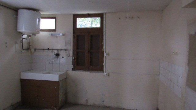 Sale house / villa Saint jean d'angely 44 550€ - Picture 5