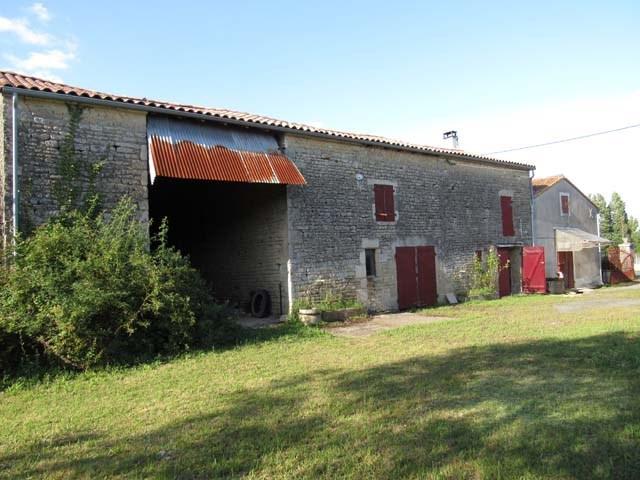 Sale house / villa Villeneuve la comtesse 106500€ - Picture 2