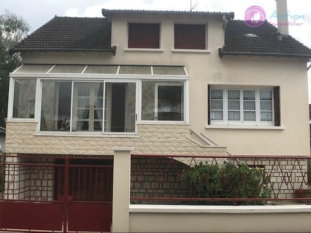 Sale house / villa Brie comte robert 310000€ - Picture 1