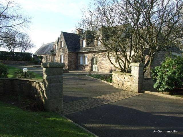 Sale house / villa St jean du doigt 299000€ - Picture 3