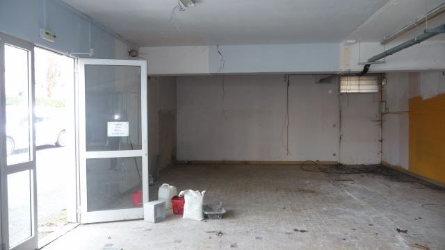 Commercial property sale shop Saint etienne 300 000€ - Picture 2
