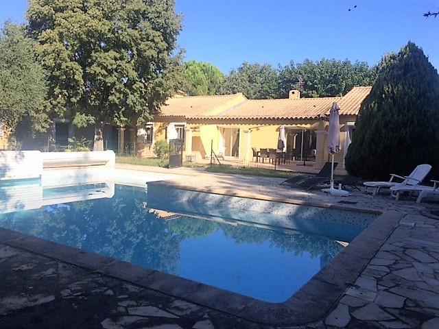 Deluxe sale house / villa Cabries 890 000€ - Picture 1