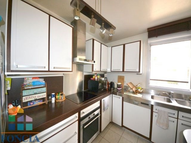 Deluxe sale apartment Suresnes 885 000€ - Picture 4
