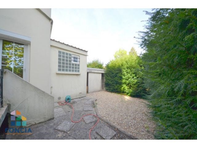 Sale apartment Suresnes 320000€ - Picture 3