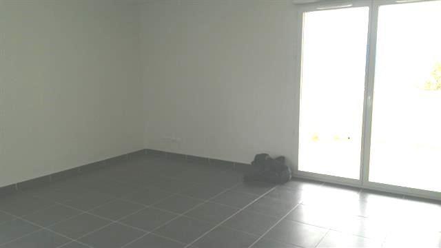 Location appartement Claix 950€ CC - Photo 4