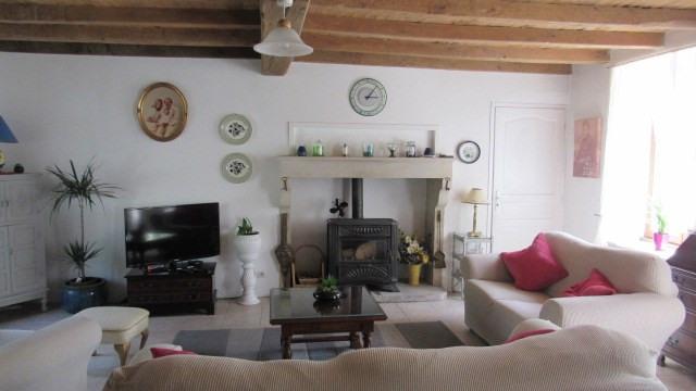 Sale house / villa Saint-georges-de-longuepierre 327050€ - Picture 4