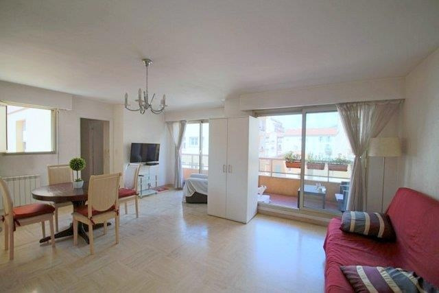 Sale apartment Nice 331 000€ - Picture 1