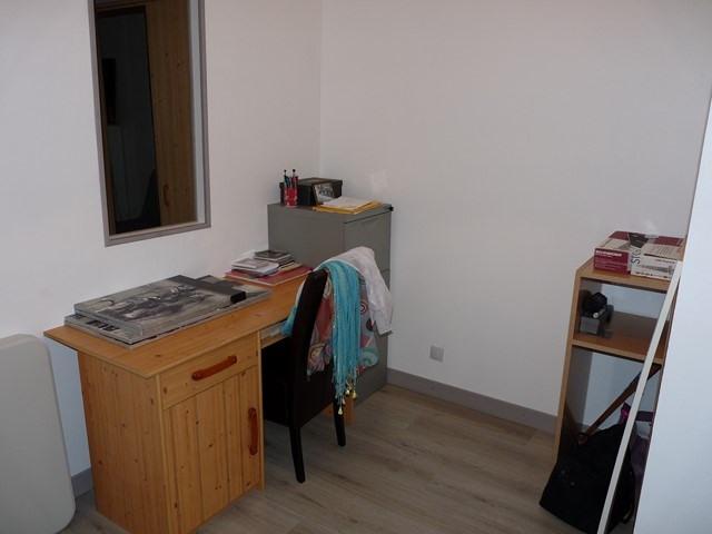 Revenda apartamento Saint-genest-lerpt 124000€ - Fotografia 4