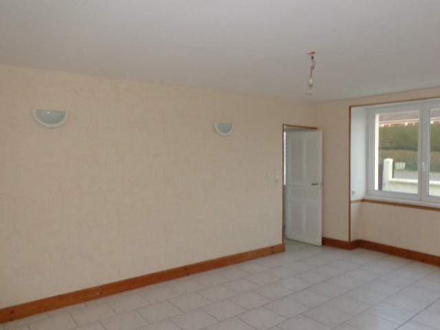 Location maison / villa Sainteny 528€ CC - Photo 3