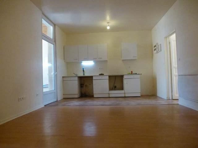 Sale apartment Saint jean d'angely 59250€ - Picture 3