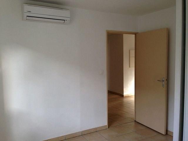 Rental apartment St denis 779€ CC - Picture 2