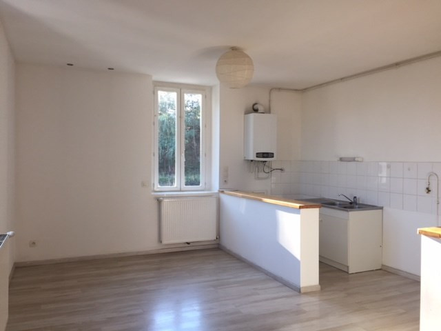 Location appartement Roche-la-moliere 565€ CC - Photo 1