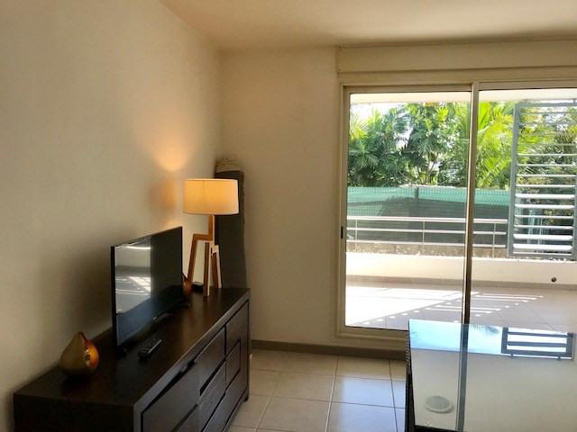 Location appartement Saint paul 835€ CC - Photo 1