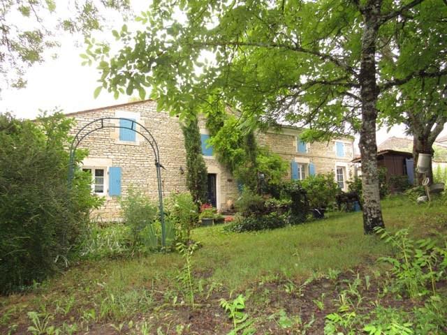 Vente maison / villa Asnières-la-giraud 468000€ - Photo 2