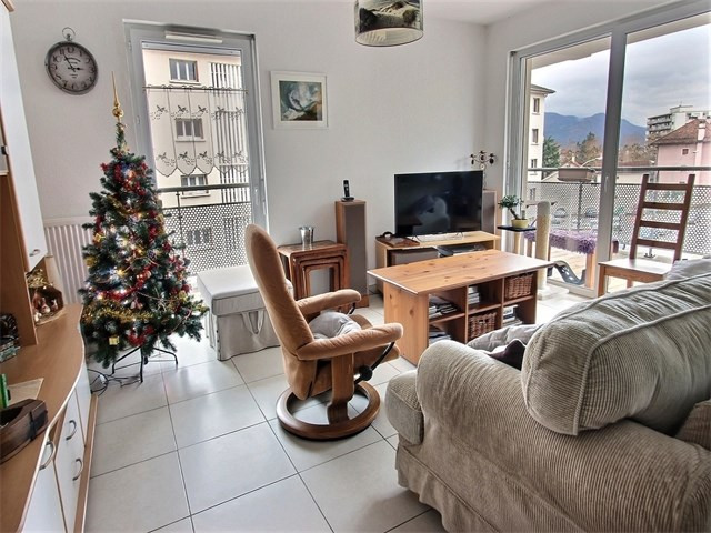 Rental apartment Annecy 1 072€ CC - Picture 2