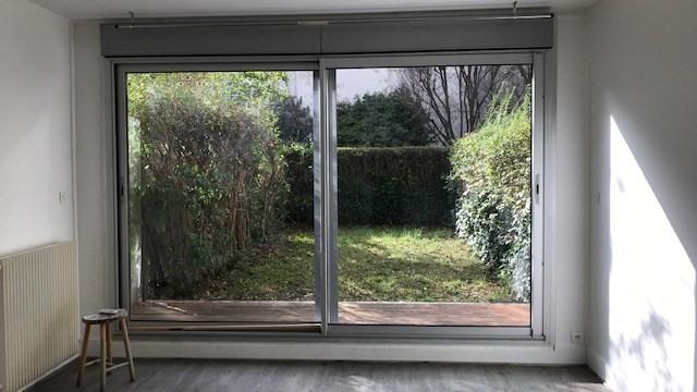 Appartement 1 pièce rez-de-chaussée avec jardin