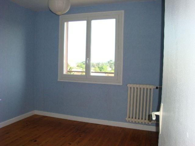 Rental apartment Decines 719€ CC - Picture 2