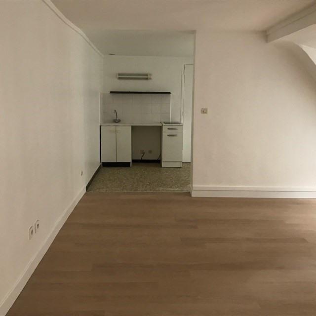 Locação apartamento Paris 9ème 1041€ CC - Fotografia 4
