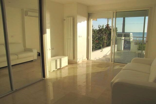 Vacation rental apartment Juan-les-pins  - Picture 2