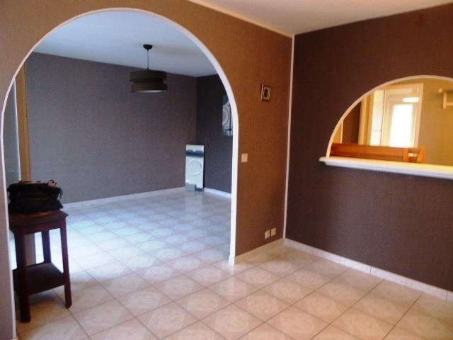 Sale apartment Vaulx en velin 136000€ - Picture 2