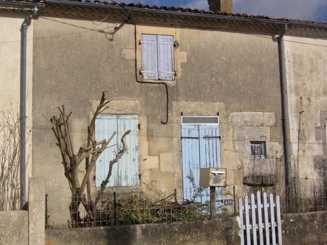 Sale house / villa Saint jean d'angely 22500€ - Picture 1