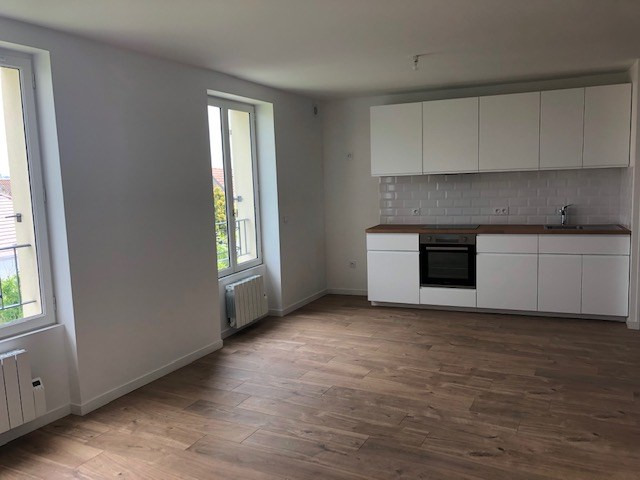 Location appartement Carrieres sous poissy 780€ CC - Photo 1