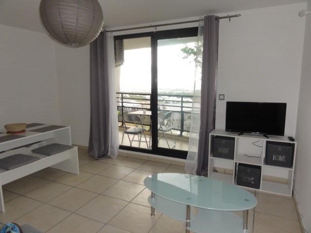 Location appartement La possession 720€ CC - Photo 9