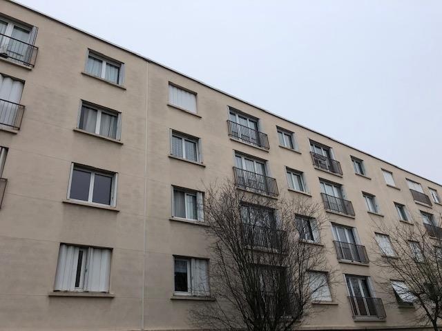 Rental apartment Massy 875€ CC - Picture 1