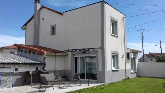 Vente maison / villa Bonson 245000€ - Photo 1