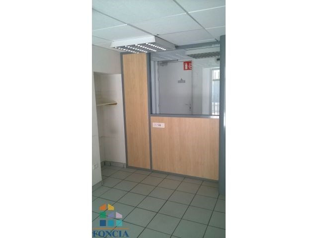 Location local commercial Saint-ferréol-d'auroure 350€ CC - Photo 5