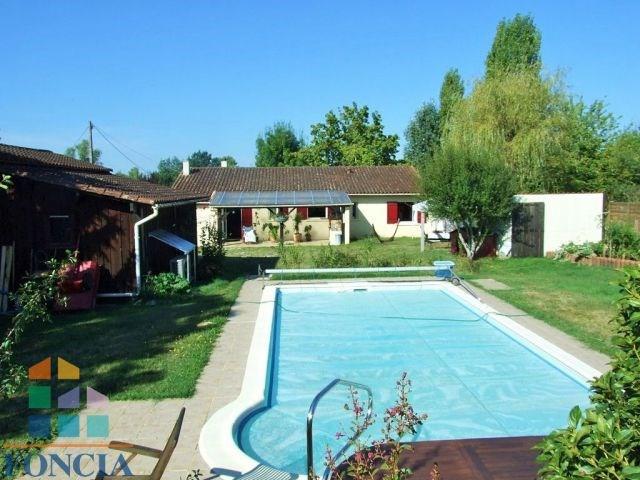 Plain pied rénové 135 m² avec dépendances et piscine 8 X 4