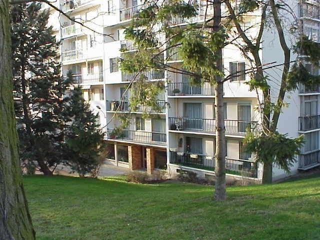 Sale apartment Fresnes 260000€ - Picture 1