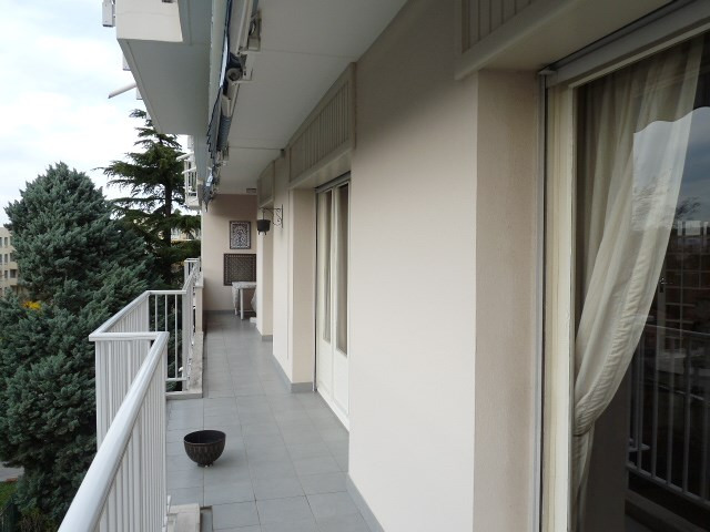 Vente appartement Bron 365000€ - Photo 6