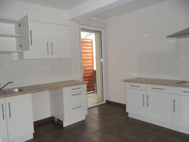 Rental apartment Saint-etienne 888€ CC - Picture 2