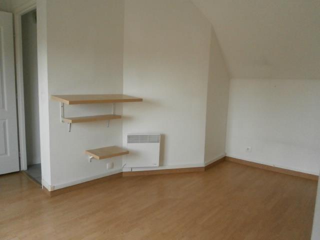 Rental apartment Vaux le penil 546€ CC - Picture 4