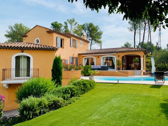 Deluxe sale house / villa Calas 845 000€ - Picture 1