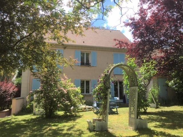 Sale house / villa Montfort l amaury 598000€ - Picture 1