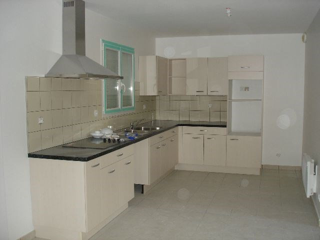 Location maison / villa Bron 1 340€ CC - Photo 5