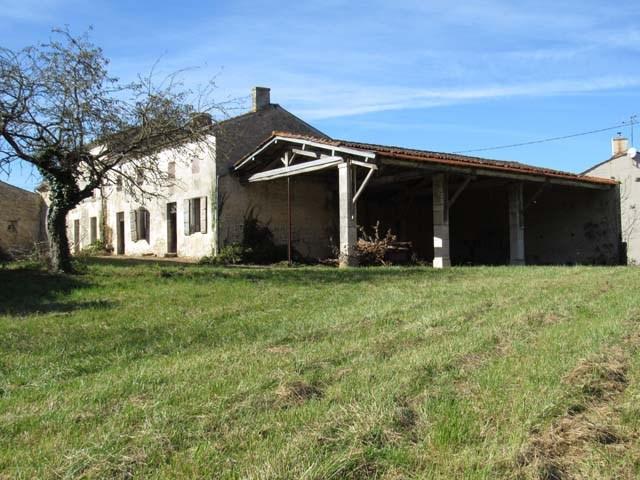 Vente maison / villa Saint-pierre-de-juillers 75000€ - Photo 1