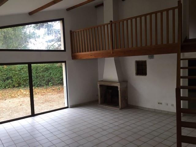 Location maison / villa Chaponost 2300€ CC - Photo 2