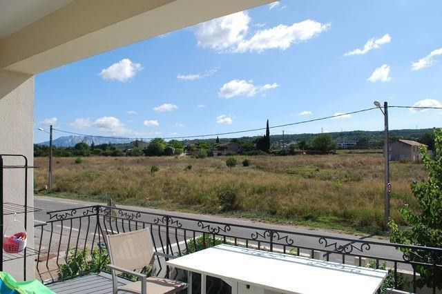 Sale apartment Gardanne 227000€ - Picture 2