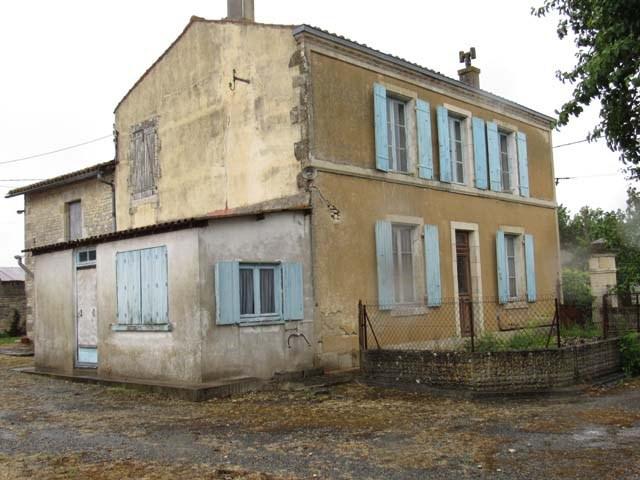 Sale house / villa St séverin sur boutonne 75000€ - Picture 2