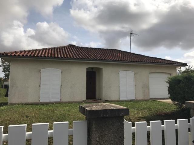 Vente maison / villa Neuville du poitou 152000€ - Photo 1