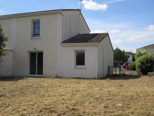Sale house / villa Saint-jean-d'angély 93090€ - Picture 1