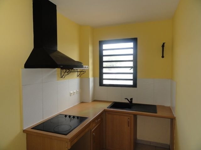 Location appartement Ste clotilde 590€ CC - Photo 3